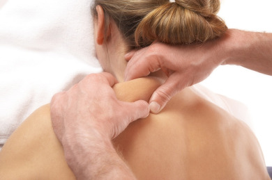 stiff-neck-muscle-relaxers-massage