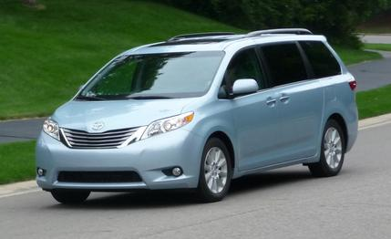 2015-toyota-sienna-review-car-and-driver-photo-659043-s-429x262